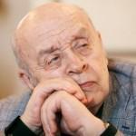 Леонид Броневой пошел на поправку