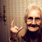 В Швеции в первый класс пригласили 105-летнюю бабушку