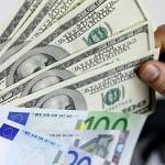 Нацбанк угрожает уголовной ответственностью за продажу долларов на черном рынке
