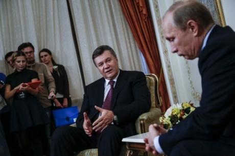 Кремлевский шарм и колебания Януковича