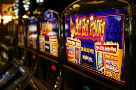 Стоит ли играть в азартные игры?