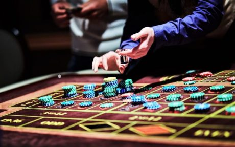 Почему онлайн-казино стало таким популярным видом развлечения