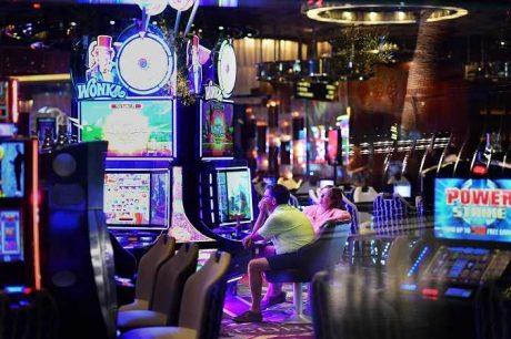 Какому сервису онлайн казино отдать предпочтение?